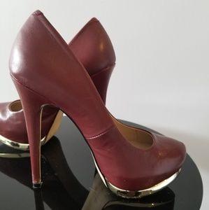 High heel 5inch maroun pumps. Gold trim
